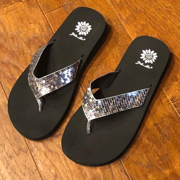 Silver Sparkle Flip Flops | Poshmark